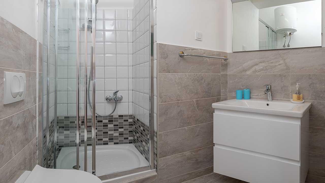 Vineyard Villa With Swimming Pool   Bathroom